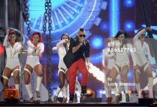 "Latin Billboards Sean Paul and Wisin ""Baby Danger"""